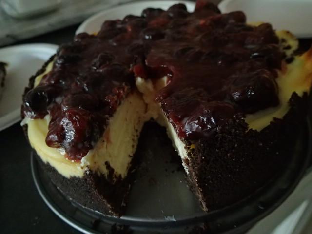Cherry Cheesecake (Rich & Creamy)